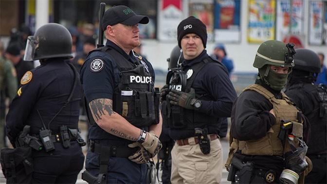 Полиция США за год расстреляла около тысячи человек