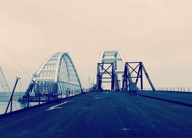 Крымский мост шокировал иностранцев: «12-мильное инженерное чудо? Русские – это мастера»