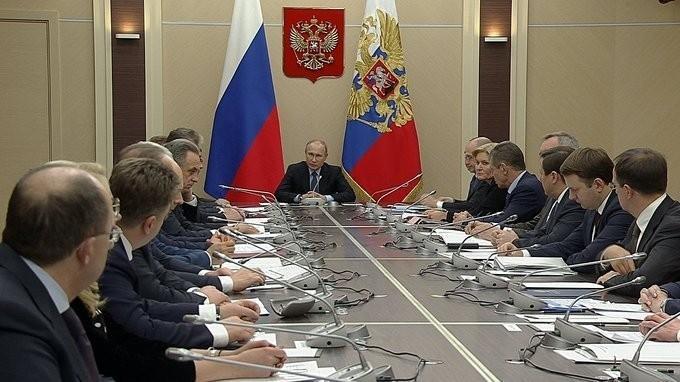 Владимир Путин провёл первое в 2018 году совещание с членами Правительства