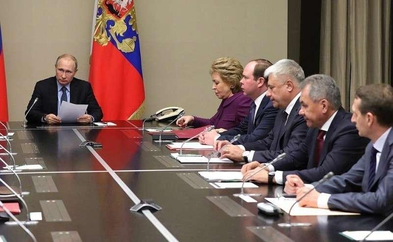 Путин обсудил с постоянными членами Совбеза украинский закон о «реинтеграции Донбасса»