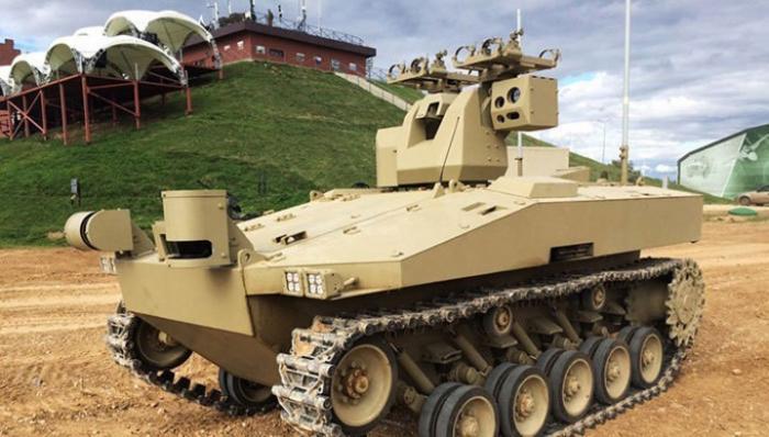 Военный робот «Соратник» концерна «Калашников» прошёл испытание боем