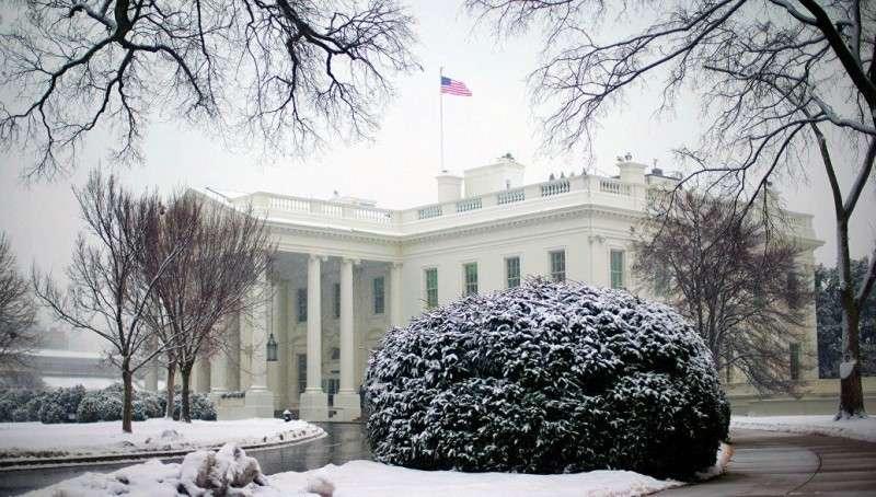 Белый дом США не отвечает на звонки. Денег нет!