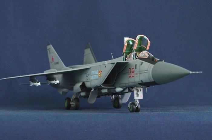 Новый российский высотный перехватчик МиГ-31БМ разогнали до3400 км/ч