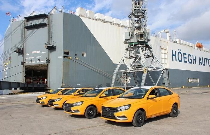 «АвтоВАЗ» поставил наКубу 344 автомобиля Lada Vesta и Lada Largus Cross
