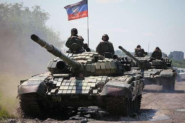 В ДНР отработали переход танкового батальона из обороны в наступление
