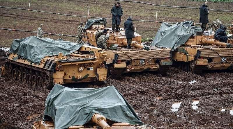 Президент Турции Эрдоган лично посетил штаб операции «Оливковая ветвь» на границе с Сирией