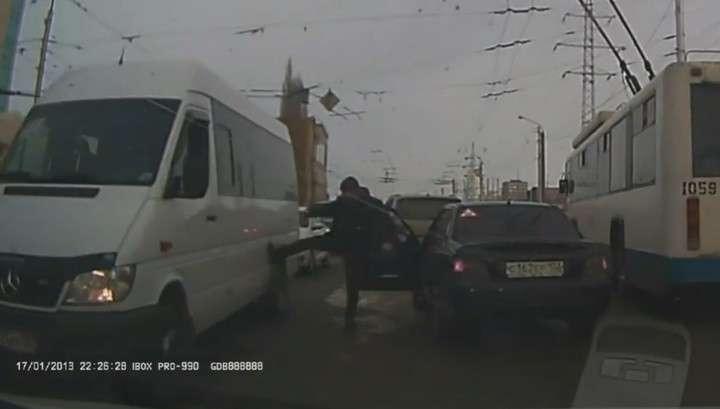 Уфа. Водители устроили мордобой со стрельбой на дороге