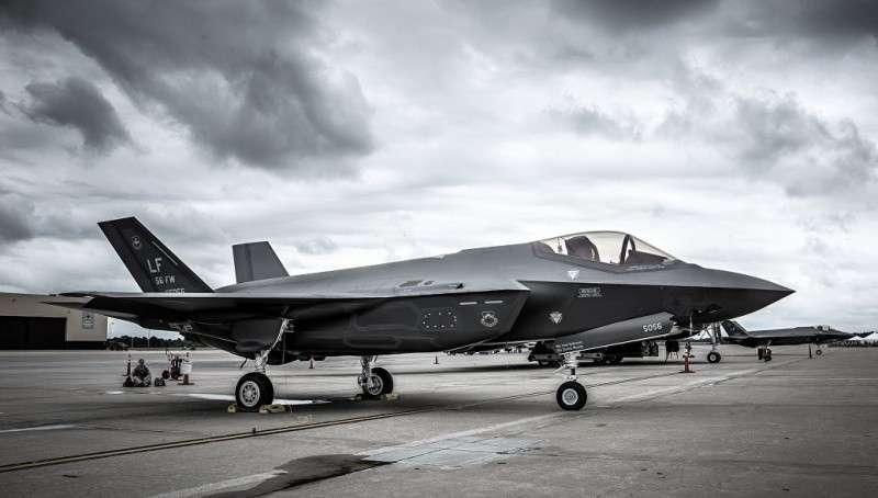 Половина F-35 не готова к бою, посетовали в Пентагоне