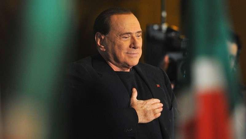 Берлускони поведет Италию из Европы в сторону России