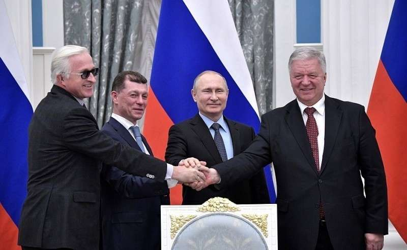 Церемония подписания Генерального соглашения между общероссийскими объединениями профсоюзов, общероссийскими объединениями работодателей иПравительством Российской Федерации на2018–2020годы.
