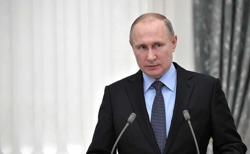 Нацеремонии подписания Генерального соглашения между общероссийскими объединениями профсоюзов, общероссийскими объединениями работодателей иПравительством Российской Федерации на2018–2020годы.