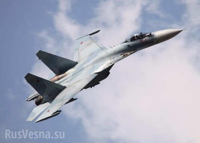 Как Су-27 испугал и отогнал разведчиков ВВС США
