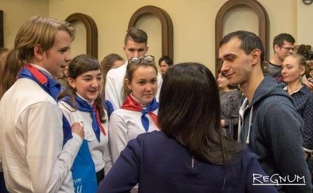 Ребятам удалось пообщаться с актерами Московского театра «На досках»
