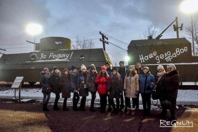 Ребята осмотрели площадку военной техники Музея Победы