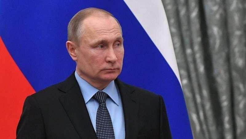 Владимир Путин предлагает научится мечтать не об айфонах