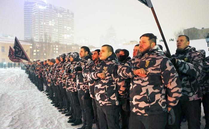 Власть на Украине готовятся захватить нацистские дружины