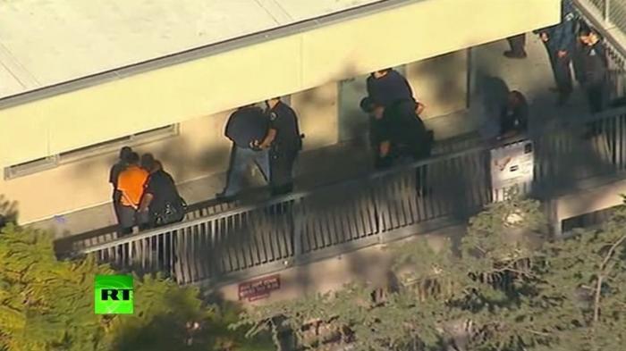 В школе Лос-Анджелеса в результате стрельбы госпитализированы пятеро пострадавших