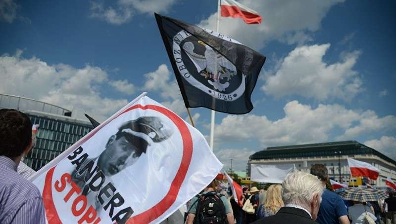 Польша ставит ультиматум Украине: Бандера и нацизм под запретом