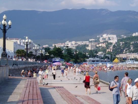 Санкции против Крыма резко увеличили поток иностранцев на полуостров