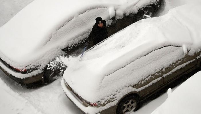 В Москве субботний снегопад не обошелся без жертв, сегодня будет ещё хуже