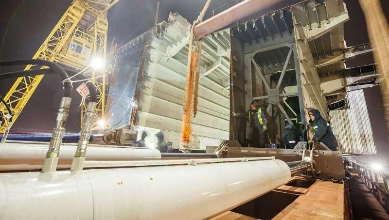 Крымкий Мост: началось возведение железнодорожных пролетов моста