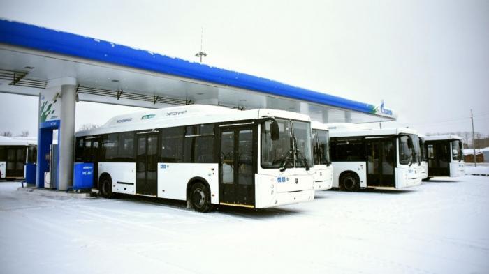 КАМАЗ поставил в Вологду партию газомоторных автобусов НЕФАЗ