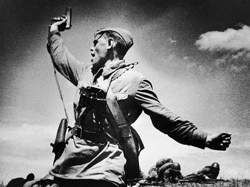 Почему либералы так боятся возвращения политруков в русскую армию