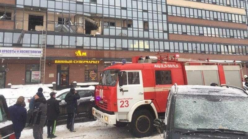 Петербург: в многоэтажном доме прогремел взрыв