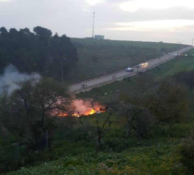 Фото и видео с места падения израильского самолёта появились в сети