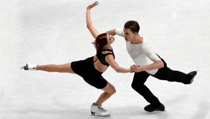На Олимпийских играх российские фигуристы завоевали серебро в командном турнире