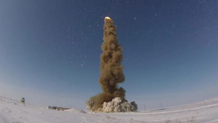 В Казахстане российские военные испытали новую модернизированную ракету системы ПРО