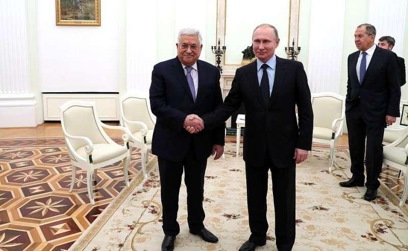 CПрезидентом Палестины Махмудом Аббасом.
