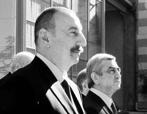 Благодаря посредничеству России президенты Армении и Азербайджана периодически встречаются. Это не дает региону скатиться к войне