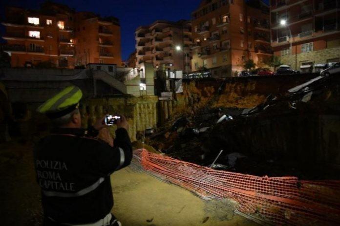 В Риме провалился под землю 15-метровый участок улицы