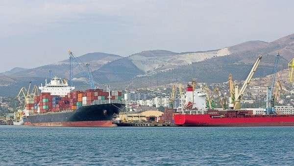 Морской порт России. Архивное фото