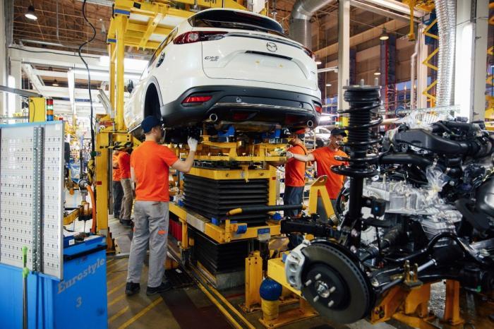 ВоВладивостоке запустили в производство кроссовера Mazda CX-9
