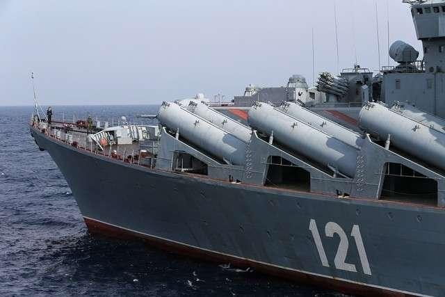 Гвардейский ракетный крейсер «Москва» у берегов Сирии