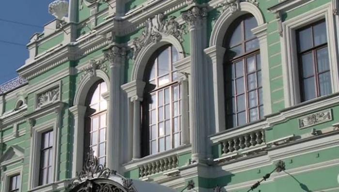 Малый драматический театр Петербурга попал в криминальный скандал