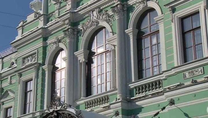 Петербург: на деньги, выделенные на новую сцену, чиновники от культуры купили элитные дома