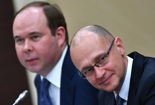 Пора соблюдать Конституцию РФ. Так ведь, Сергей Кириенко, Антон Вайно?