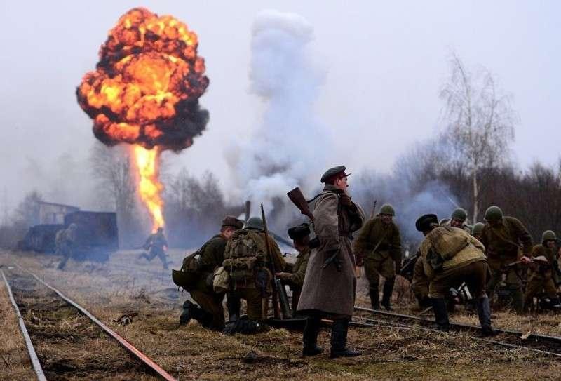 Германия сдерживает Россию. Хроника последней войны. Героический фельетон