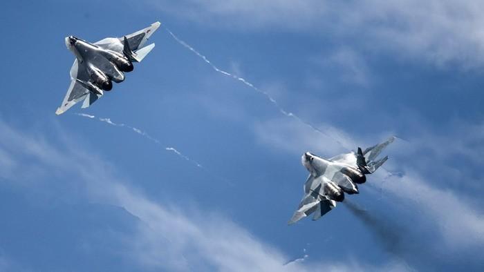 Зачем Россия перебросила в Сирию новые Су-57 и Су-35С