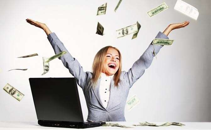 «Зарплата счастья»: $100 тысяч в Америке и 50 тыс. рублей в России