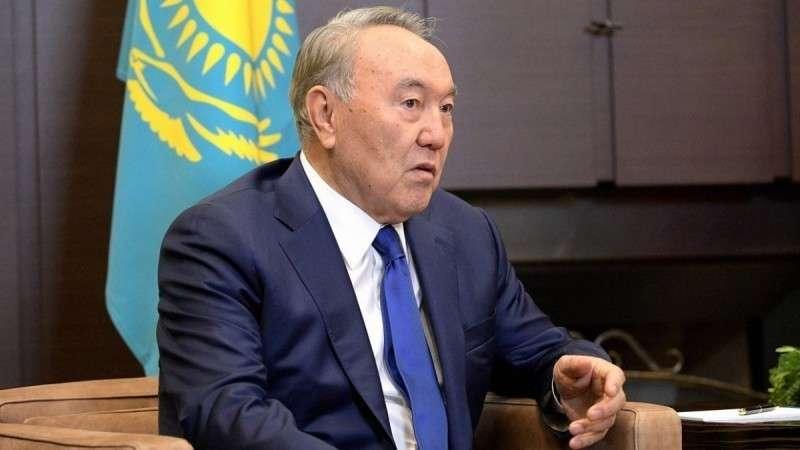 Казахстан вслед за кириллицей откажется и от русского языка