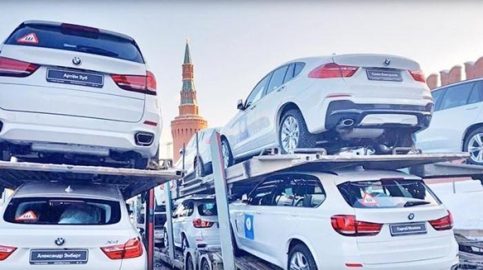 Москва, Красная площадь. BMW для олимпийских героев России!
