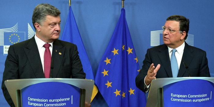 Порошенко попросил остановить ассоциацию ЕС и Украины