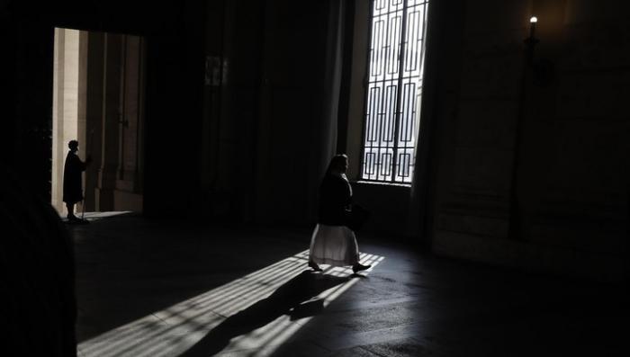 Священники Ватикана превратили монахинь в своих рабынь