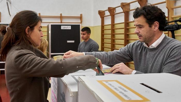 На парламентских выборах в Италии лидируют противники глобалистов
