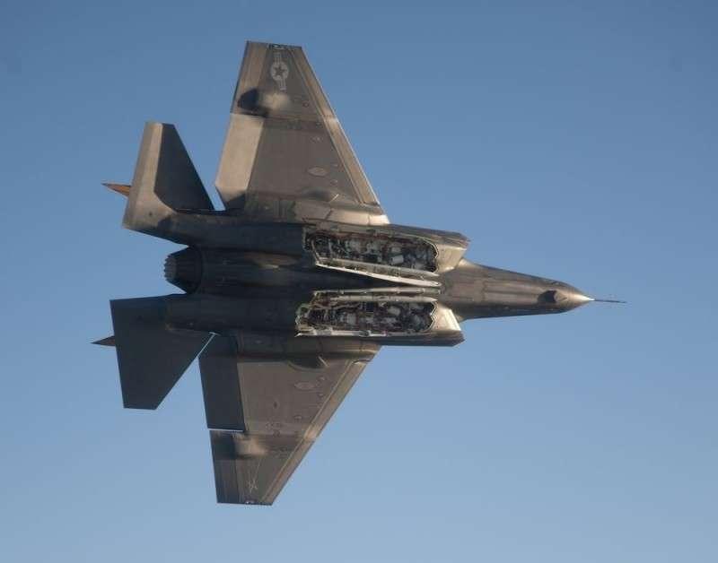 Половина истребителей F-35 Молния, поставленных союзникам оказались бракованными