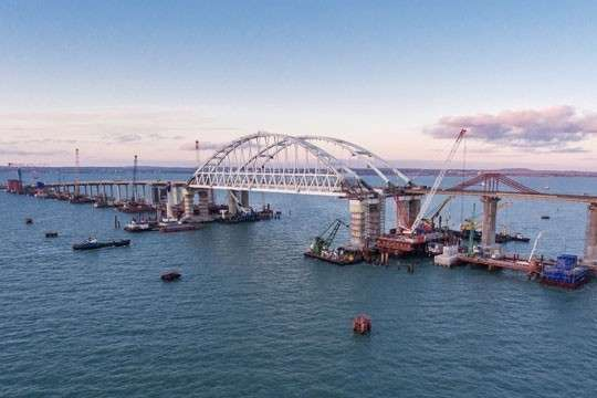 Крымский Мост. Контр-адмирал ВМС России рассказал о способах охраны объекта
